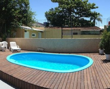 93 - HOUSE 5 ROOMS WITH POOL MARISCAL BOMBINHAS