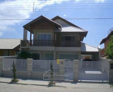 99 - HOUSE WITH POOL IN MARISCAL BOMBINHAS